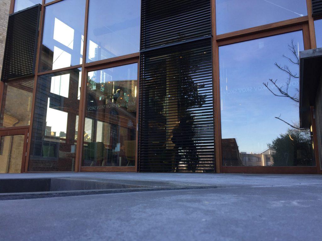 Sfeerfoto Skov gebouw